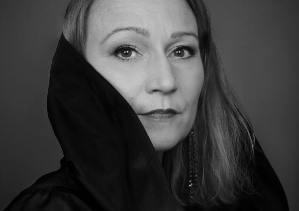 Miriam Treichl 13b bw web - Photo Credit Susanne Fagerlund